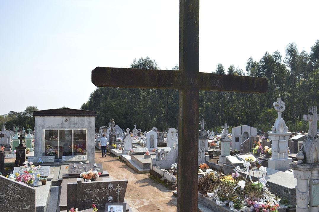 A cruz é presente em diversos túmulos. (Imagem: Internet)
