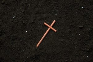 O signficado da cruz para o luto. (Foto: Internet)